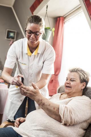Patiënt Aneta en verpleegkundige Sylvia