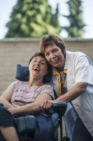 Mama en verpleegkundige Gisele (60) met dochter én patiënte Freya (29)