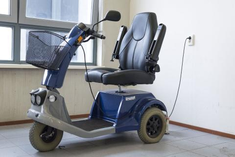 scootmobiel, mobiliteitscooter of seniorenscooter, mobiliteit