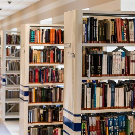 Boeken in bibliotheek