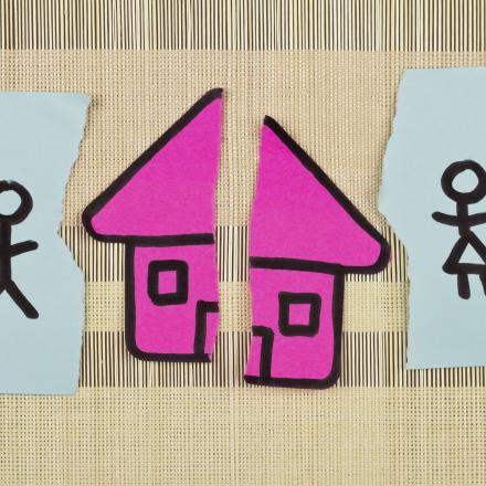 tekening met huisje en kinderen