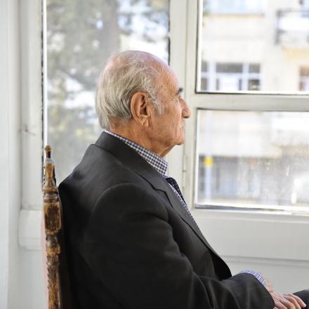 Oude man met dementie